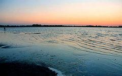 swimming-in-the-lake-moinakskoye_2